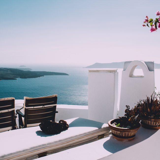 Terrasse in Griechenland mit Meerblick