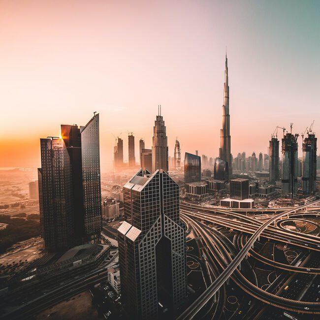 Dubai Wolkenkratzer im Sonnenuntergang